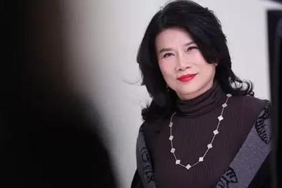 近日,一则《关于董明珠同志免职的通知》在网上流传,内文显示董明珠已于10月下旬被免去了格力集团董事长的职务。