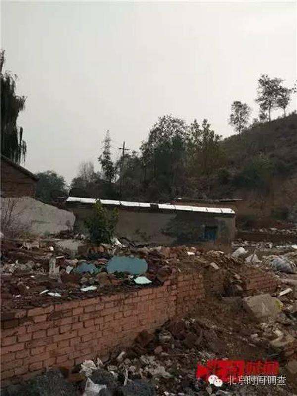 正在进行拆迁改造的寨沟村。