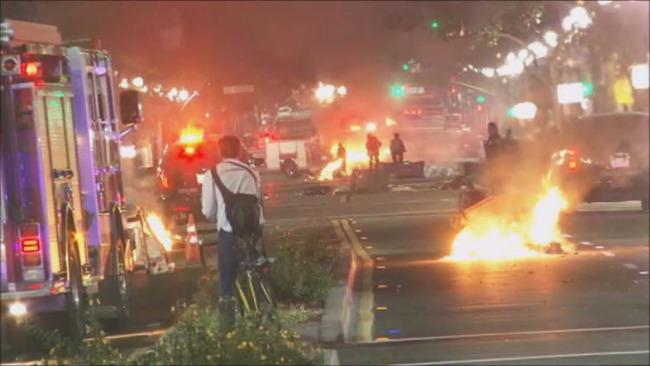 奥克兰骚乱现场