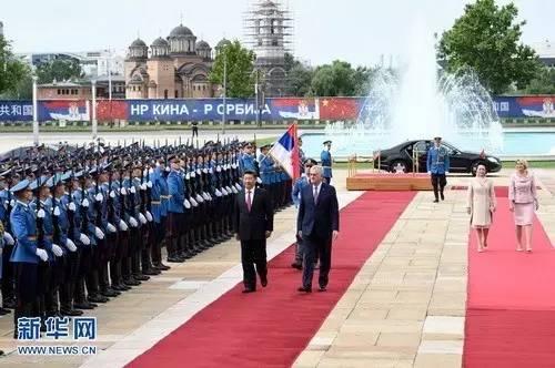 去年9月,中国举行纪念中国人民抗日战争暨世界反法西斯战争胜利70周年大会,塞尔维亚总统尼科利奇应邀出席了阅兵式。此外,塞尔维亚还派出了一支方队,参加了阅兵式。