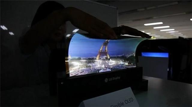"""黑科技!LG明年或推能""""贴""""上墙的电视"""