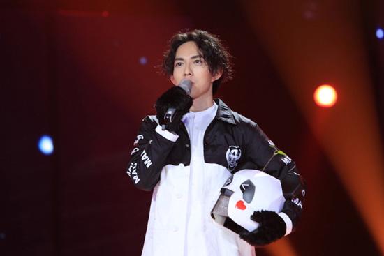 """""""""""熊猫""""林宥嘉在《蒙面唱将》第一期节目中带来的《成全》火爆程度图片"""