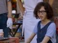 《十二道锋味第三季片花》第十期 唐嫣顶泡面头烤乳猪流口水 特色原始烤猪获好评