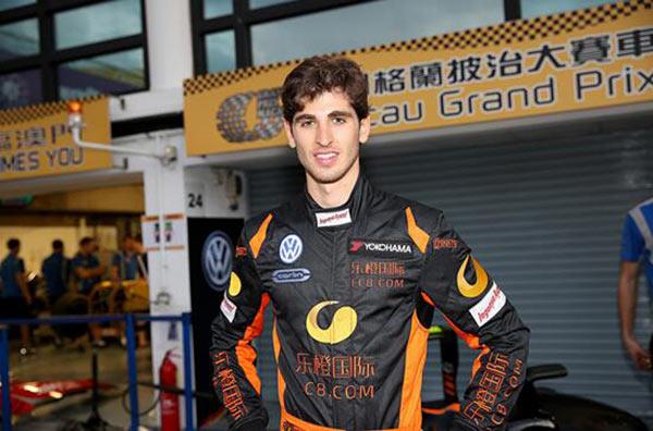 上届大赛中新锐车手乔维纳 Antonio Giovinazzi