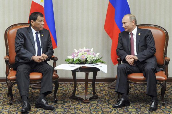 杜特尔特与普京首次会面