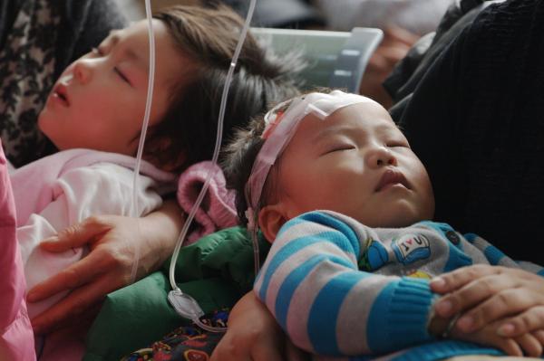 霾天医院呼吸科小患者增多 空气污染会加重过敏