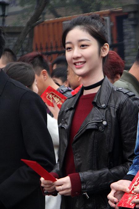 搜狐自制剧《超级小郎中》开机戚砚笛饰演白宁宁