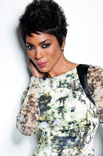 欧美黑人猛片影�_好莱坞著名黑人女星安吉拉-贝塞特正式加盟《黑豹》