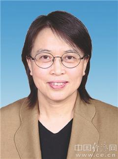黄晓薇,女,汉族,1961年5月生,辽宁海城人,1983年8月参加工作,1983年6月加入中国共产党,大学学历,工学学士学位。