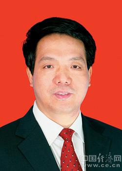 王建明,男,汉族,1962年12月生,福建省漳州市人,在职研究生学历,法学博士学位,二级大检察官。1983年11月加入中国共产党,1984年8月参加工作。