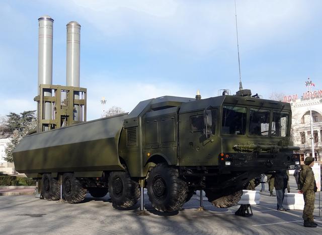 """资料图:俄罗斯""""棱堡""""岸基反舰导弹系统"""