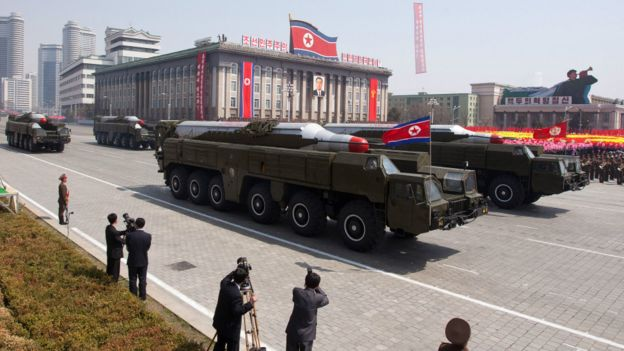 朝鲜公开展示其导弹(来源:BBC)
