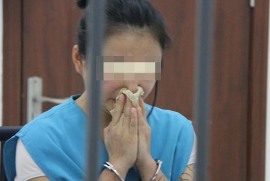 面对审讯,林某、李某和王某等三人对自己利用网络传播淫秽视频的犯罪事实均供认不讳。