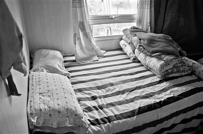 房车内的狭小卧室