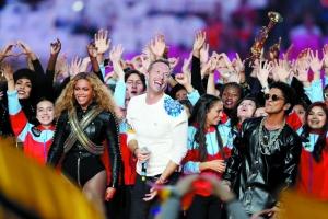 Coldplay今年登上超级碗中场秀,流行巨星碧昂丝也为他们助阵