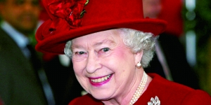 英国《逐日邮报》日前颁布了英国女王客岁的账单。报导称,账单中最有目共睹的是,客岁,女王共破费了140万英镑在白金汉宫款待各种主人。