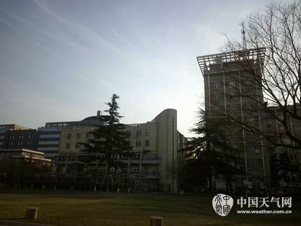 今全国午,北京海淀区中关村南大巷左近的能见度有所恶化。