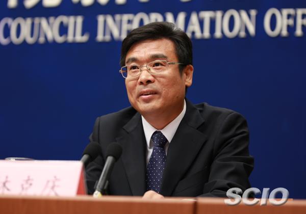 林克庆,男,汉族,1966年10月生,湖北仙桃人,1990年12月入党,1988年8月参加工作,在职研究生毕业(中国人民大学哲学院宗教学专业),哲学博士,政工师。现任北京市副市长。