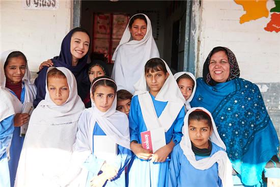 姚晨探访巴基斯坦的阿富汗难民