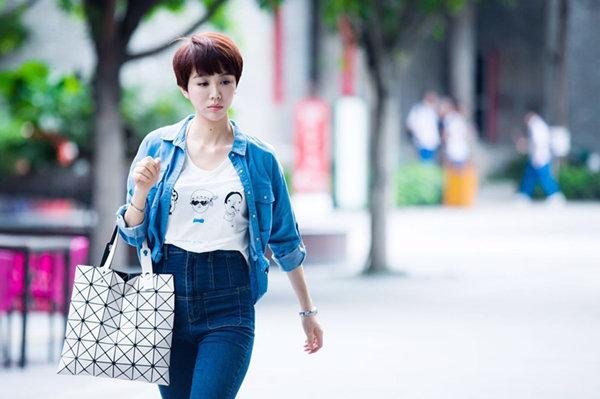 姜妍饰白燕