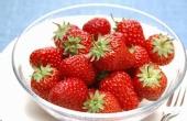 喵娘都是怎么吃草莓的