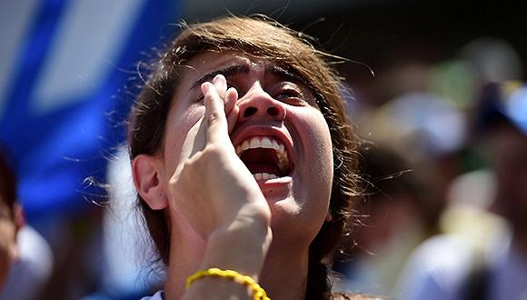 11月3日,委内瑞拉加拉加斯,学生参加反政府示威。 来源:视觉中国