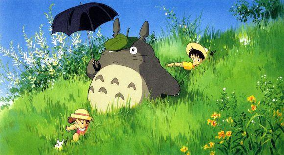 宫崎骏动画《龙猫》中草长莺飞的原野