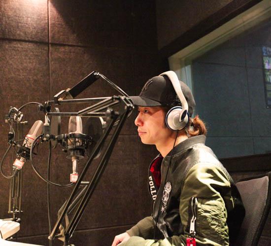 代岳东做客 电台 念念不忘的只有音乐