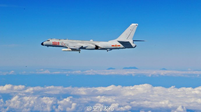 空军回应战机绕飞台岛等:合法合理 仍按既定计划