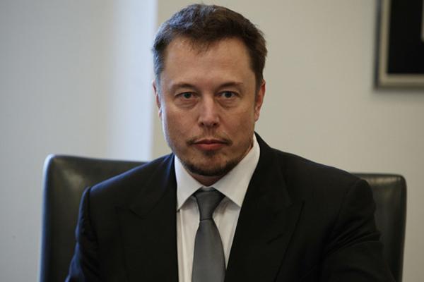 特斯拉和SpaceX CEO伊隆・马斯克今天格外不苟言笑。