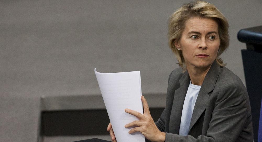 德国首位女国防部长冯德莱恩(资料图)