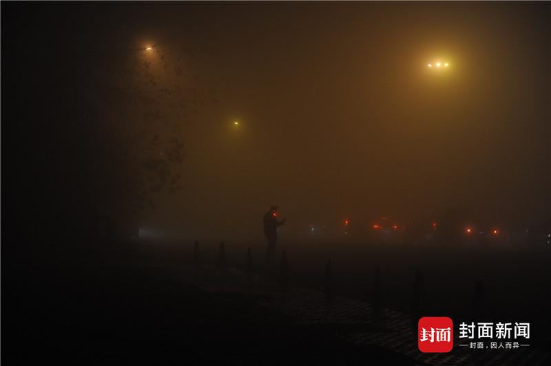 皇家彩票网官方网站:清晨大雾橙色预警_四川多条高速封闭