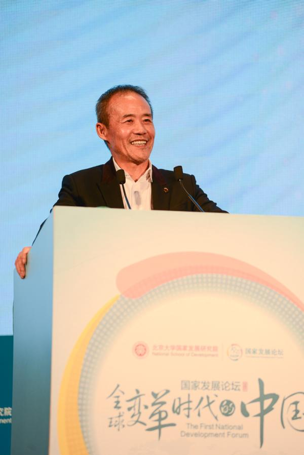 王石在演讲中 图片由北大国发院提供