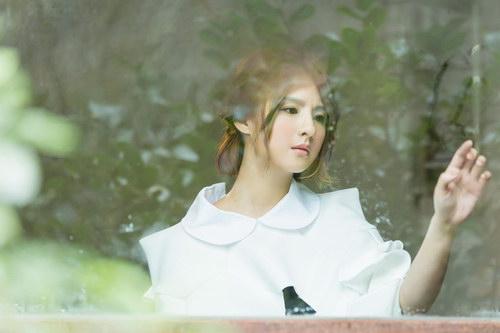 郭静《该忘的日子》MV首播