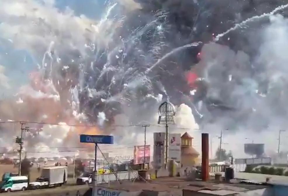 【环球网报道 记者 查希】据美国有线电视45棋牌下载网(CNN)12月20日报道,墨西哥城附近一家大型烟花爆竹工厂发生爆炸。据外媒披露,墨西哥警方初步估计,或已有9人死亡,70人受伤。路透社报道,墨西哥当地应急部门称,爆炸已经导致27人死亡。