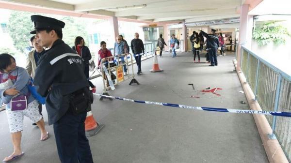 到上午10点多,大埔警区重案组捕快参加接办考察。现场音讯指出,受益者被劫走多量外币,囊括44万8千美圆和8万欧元,总值逾400万港元。