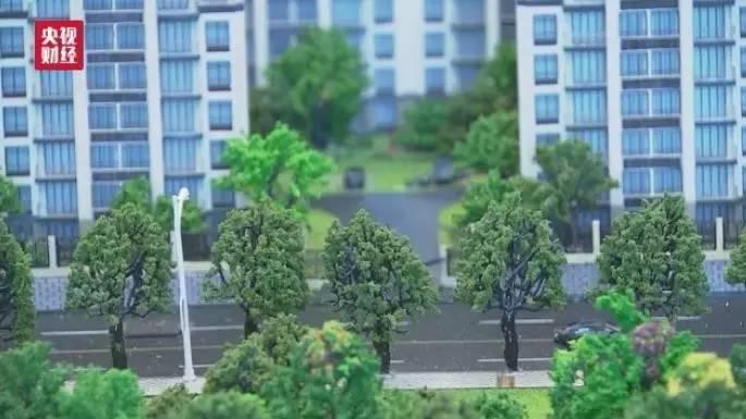 今年3月青浦区的房价比较稳定,维持在三万出头,上海青浦区居民张美丽因此想置换一套面积大的住房。但就在卖掉旧房准备换新房时,青浦区的房价开始猛涨。