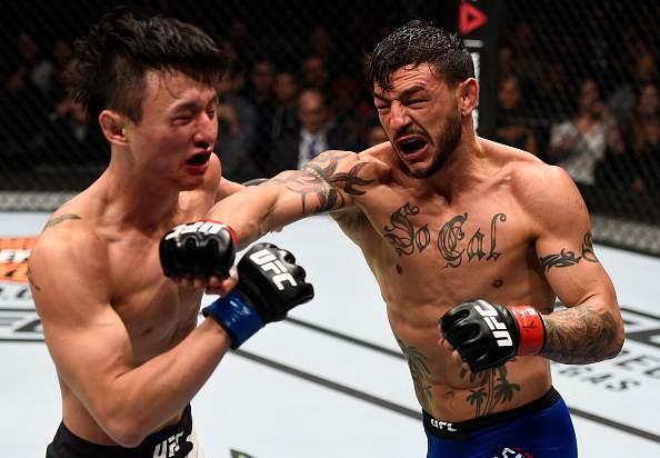 斯旺森VS崔斗浩的羽量级对决是2016年最不容错过的比赛之一