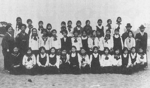 东京女学馆的标准服 1929 年摄