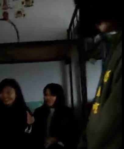湖南一少女宿舍内遭暴力欺辱
