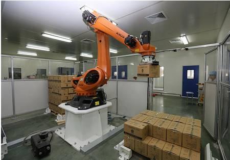 没错,就是工业机械手臂!如此看来,青蛇精的工业水平也是相当的发达。