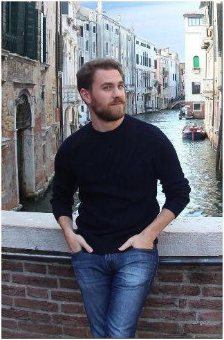 Evan Puschak 28岁 Nerdwriter创作者