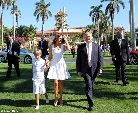 特朗普和家人在位于佛州的奢华俱乐部Mar-a-Lago