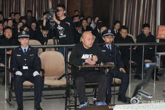 内蒙古通辽派出所副所长被枪杀案今日开庭