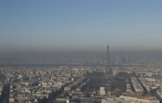 2016年12月5日,巴黎,雾霾来袭