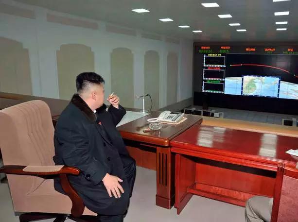 金正恩新年贺词:朝成为任何强敌不敢招惹的核强国