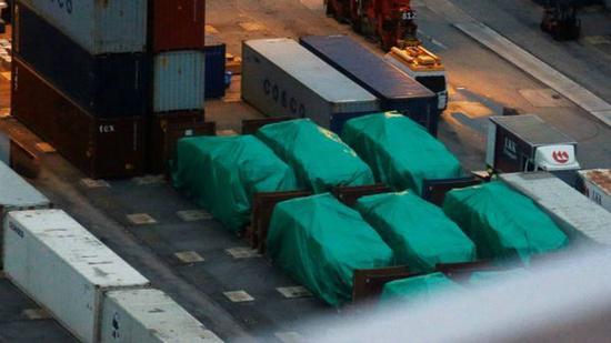 香港海关扣押了9辆从台湾运往新加坡的装甲车