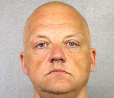 涉嫌尾气排放造假狡诈 美国FBI拘捕群众美国一位前高管