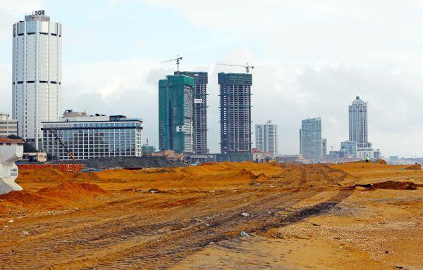 资料图片:由中国公司投资开发的斯里兰卡科伦坡港口城项目。新华社记者黄海敏摄
