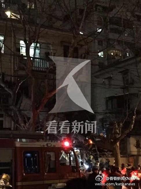 上海一住民社区高楼发作坍塌 今朝伤亡不明